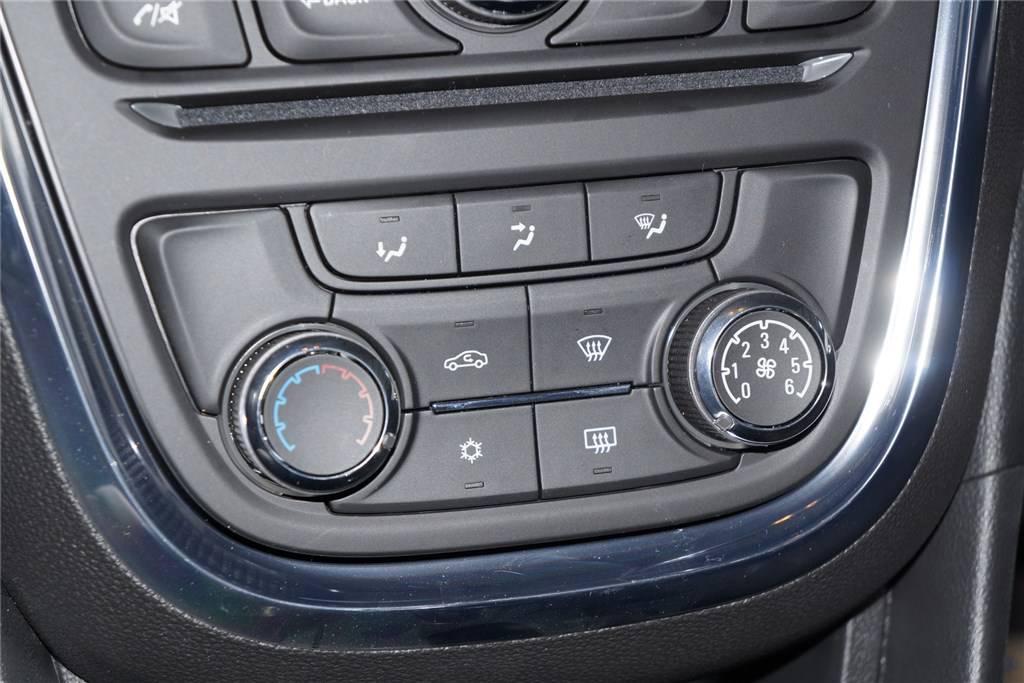 昂科拉中控台空调控制键