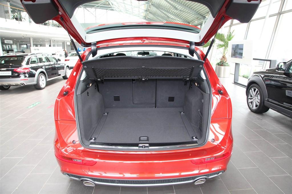 奥迪q5(进口)行李箱空间